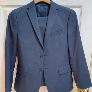 Boys size 16 blue Michael Strahan suit.